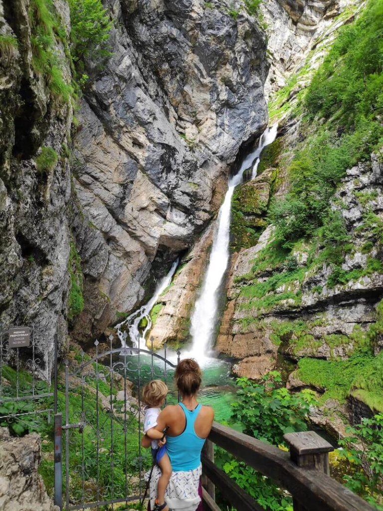 Ruta por la Cascada Savica con niños