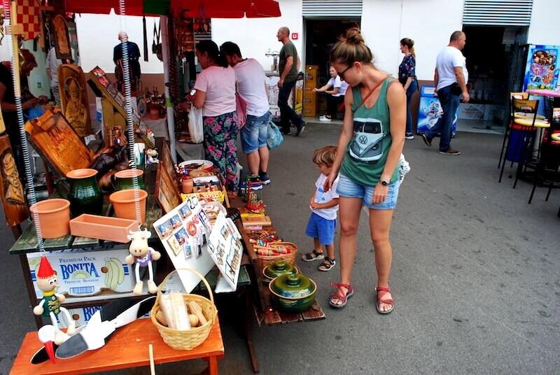 Comprando en el mercado de Zagreb